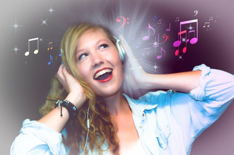 ラオケで上手く聞こえるコツ!歌が上手く聞こえる条件とは!