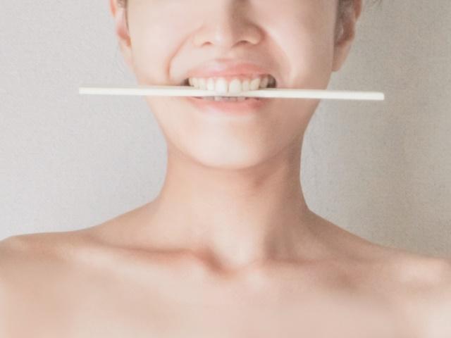 割り箸を使った音痴克服方法
