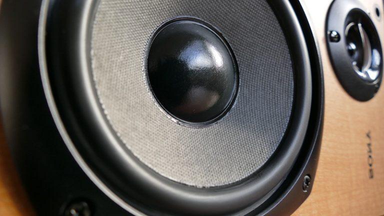 低い声質のカラオケのコツ!男女別で声質を活用した歌い方!
