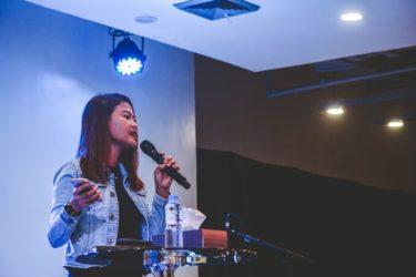 音痴でもカラオケで歌いやすい方法とは!男女別で公開!
